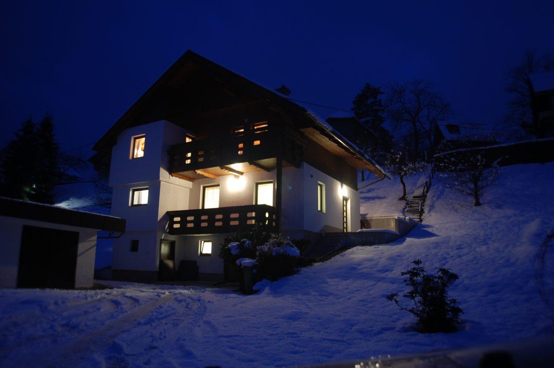 apartmaji-bled-koritno-slovenija-SI.04.01.004-53-nocna 1